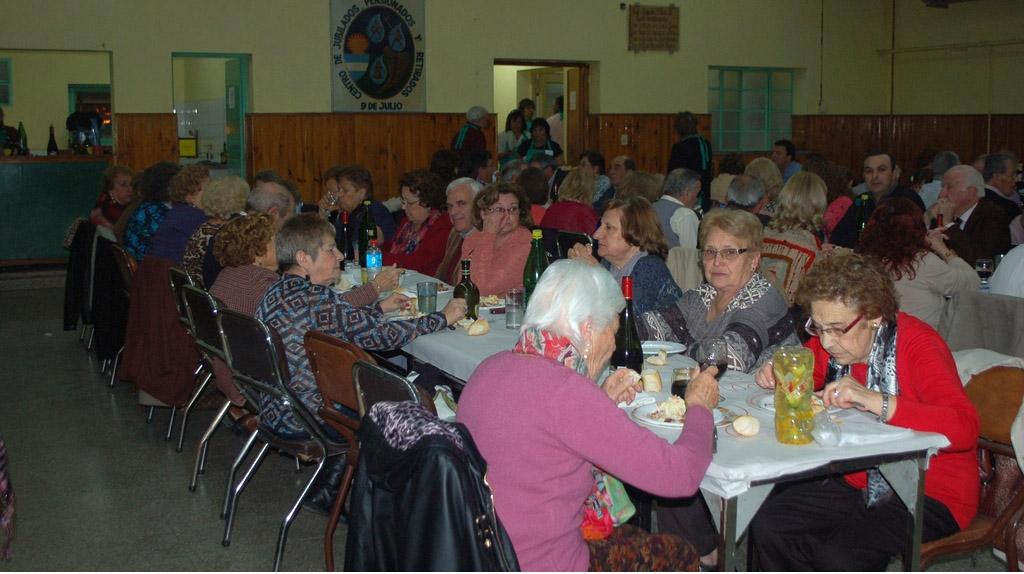 Cena en conmemoración por el Día del Jubilado