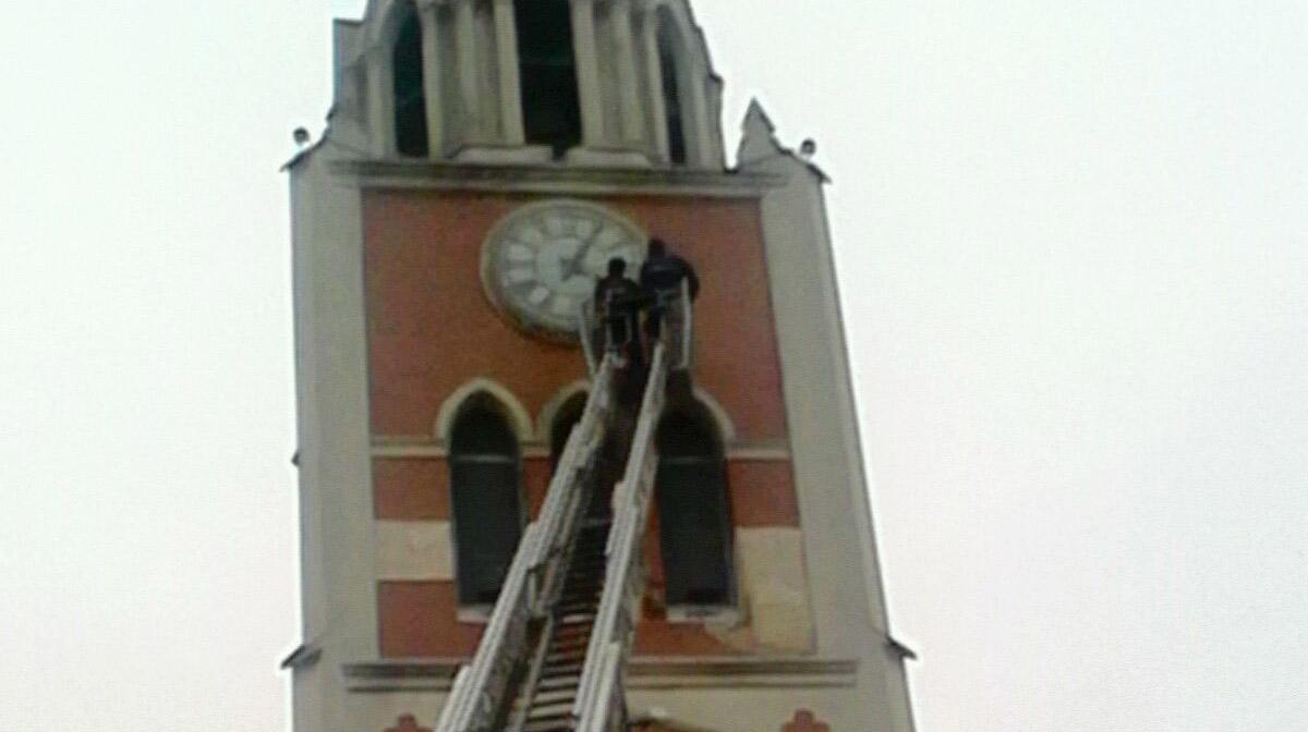 Bomberos concluyo el trabajo en Catedral