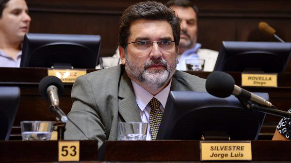 Diputados aprobó el proyecto que limita reelecciones indefinidas