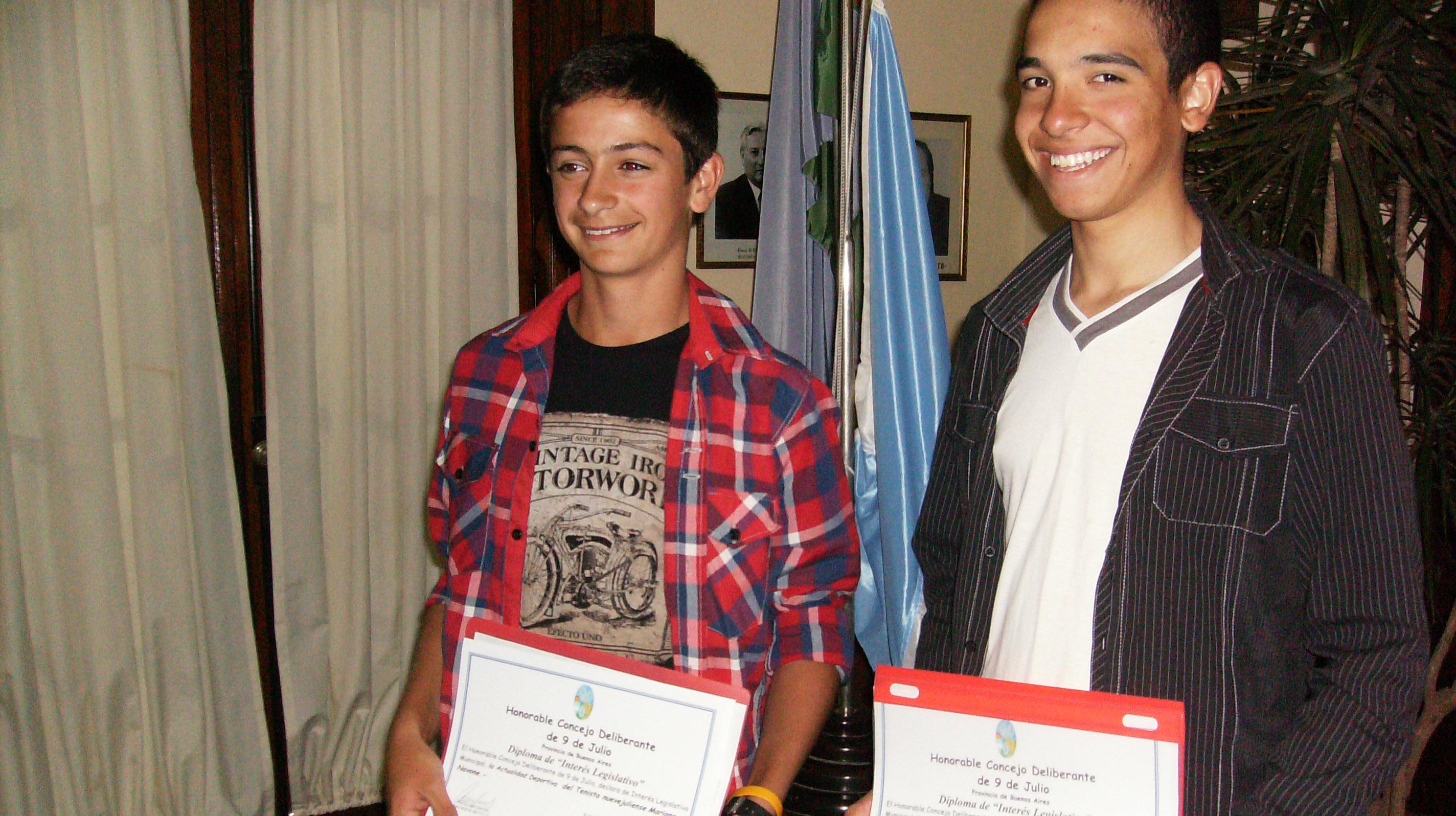 Los concejales homenajearon al tenista Navone, al ciclista Martínez y a Manhala