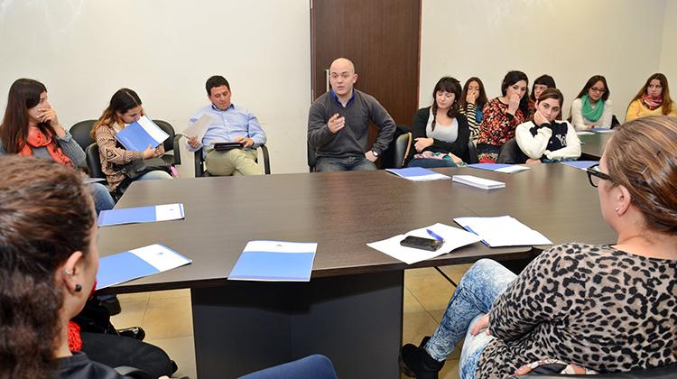 "Becas: Masiva reunión en La Plata del programa ""Poder Estudiar"""