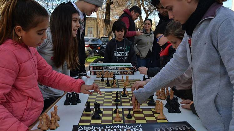 Promueven la inclusión del ajedrez