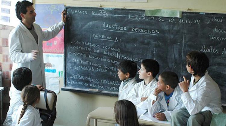 Buscan formar maestros de la era digital