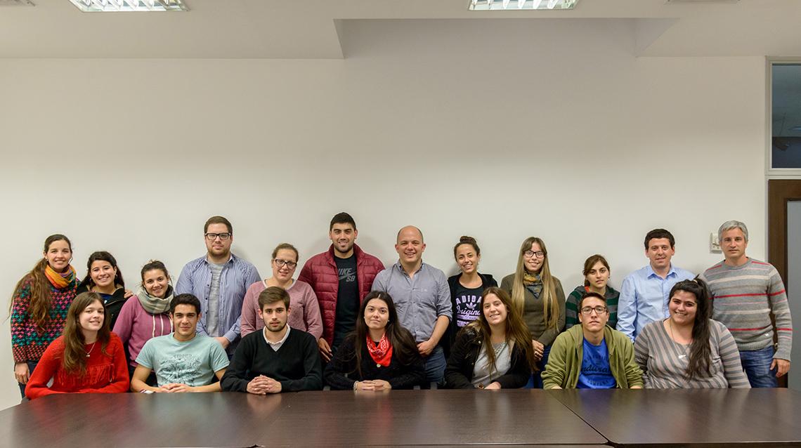 Becarios de `Poder Estudiar` tuvieron encuentro en La Plata