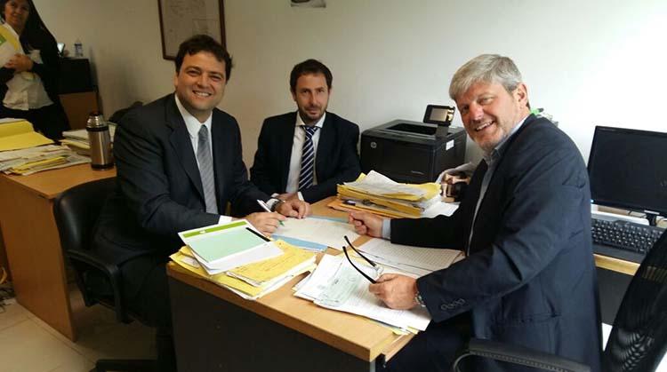 Barroso firmó las escrituras