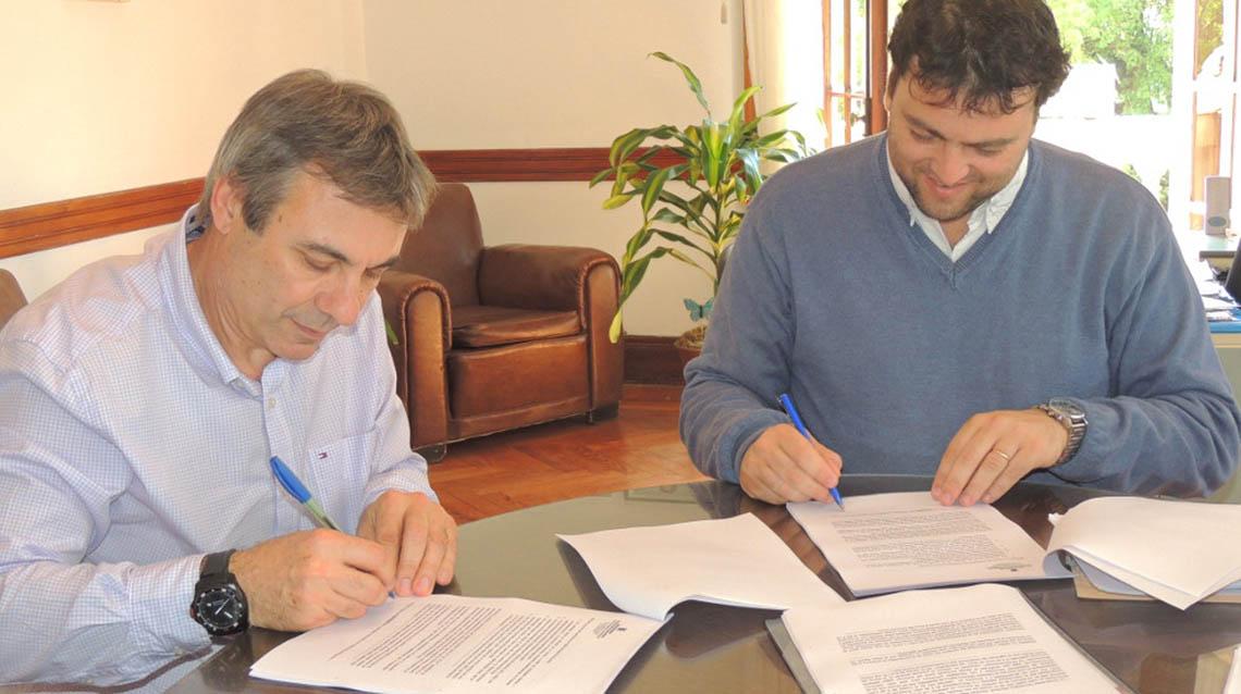 Barroso suscribió convenio con la UTN