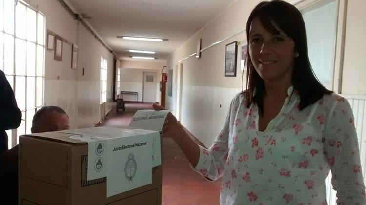 Elecciones 2015: Voto Marianela y aseguró que es un día de disfrute