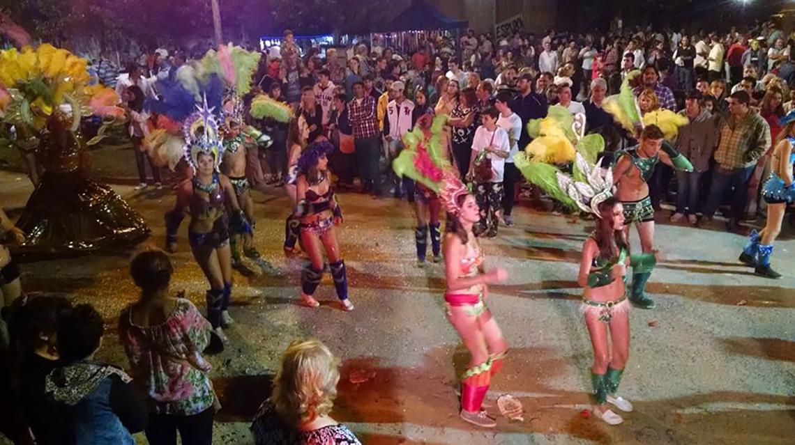 El carnaval se vive en las localidades