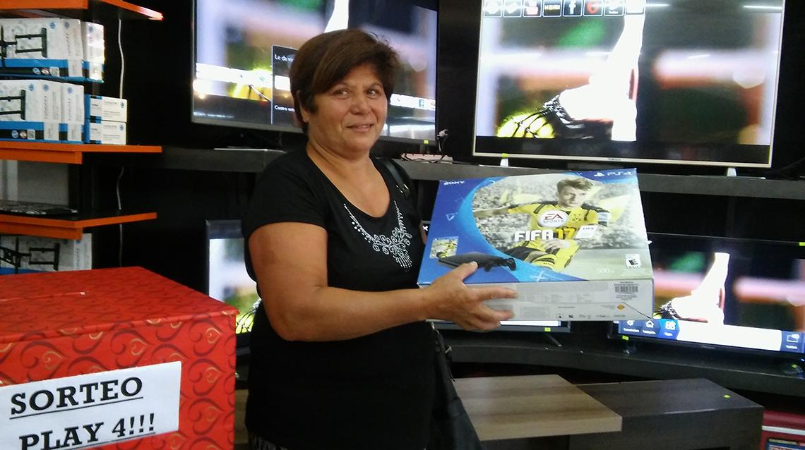 Norma de Matta ganó una Play 4