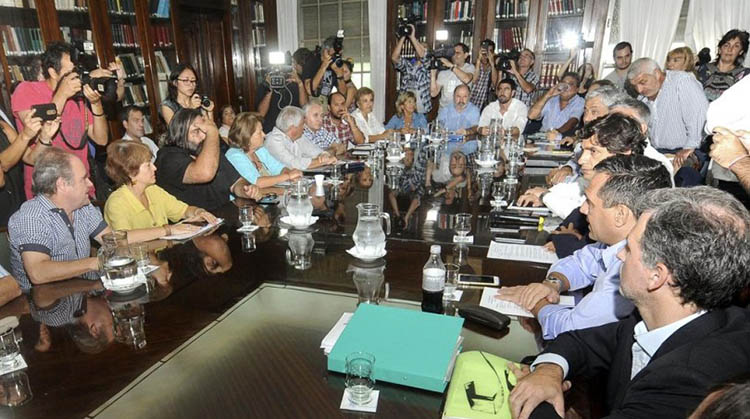 Sindicatos piden audiencia a Vidal