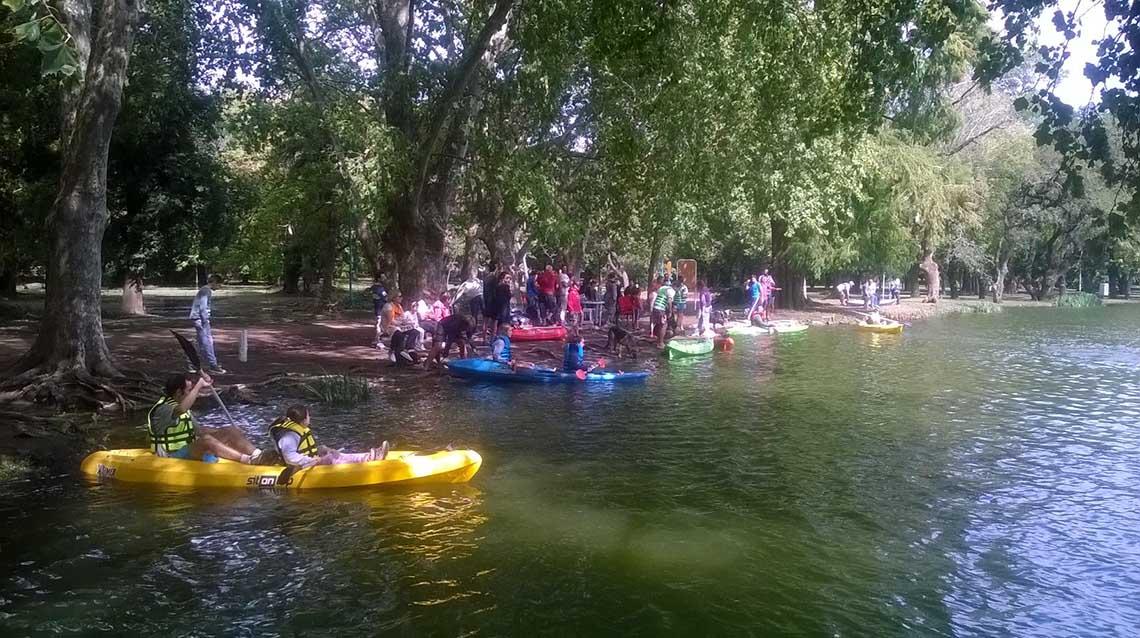 Kayaks y canoas en el Parque