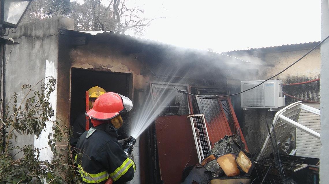 Se incendió el galpón de una vivienda