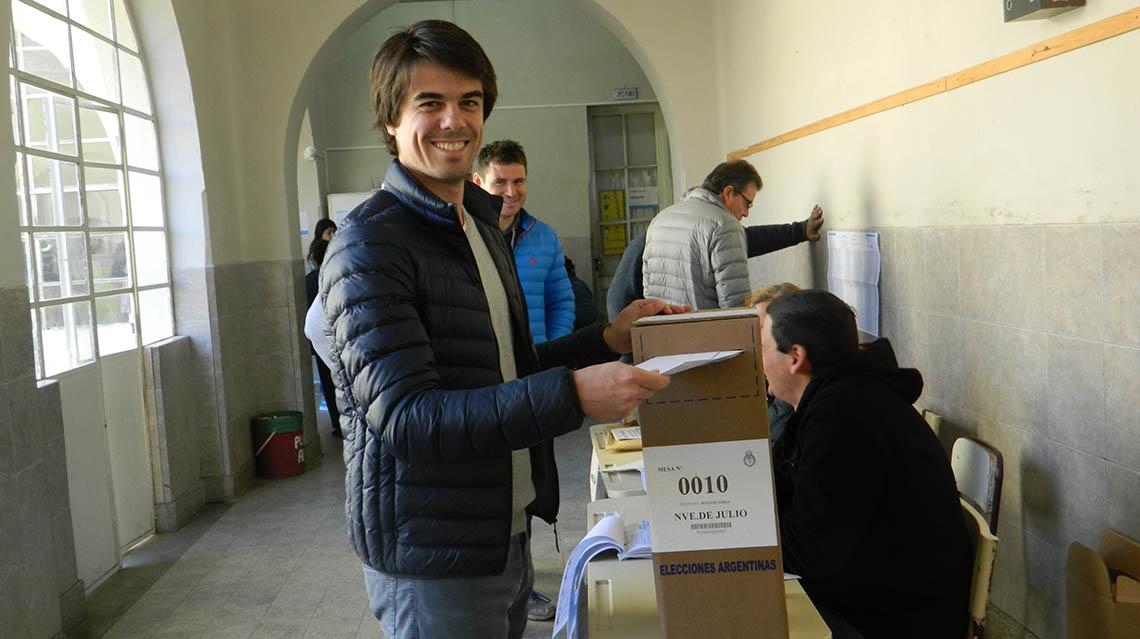PASO 2017: Votó Paolo Barbieri