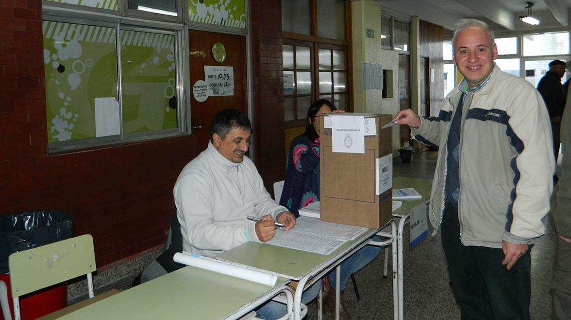 PASO 2017: Votó Darío Lanieri