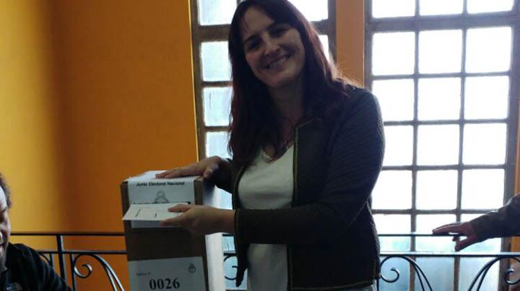 PASO 2017: Votó Malena Defunchio