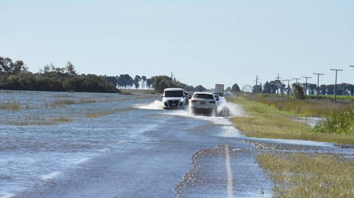 Cortaron las rutas 188 y 5 por inundaciones