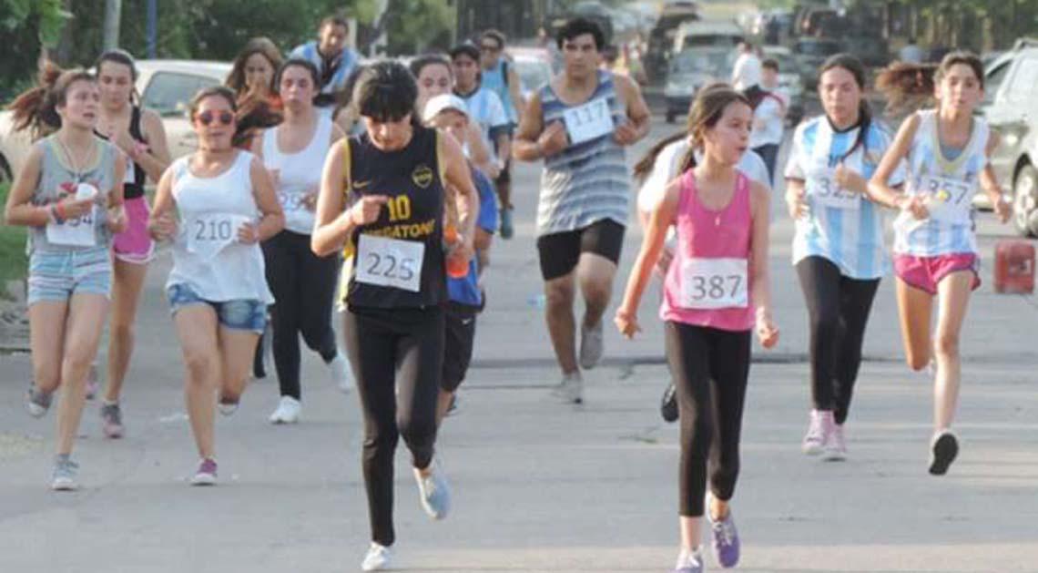Se corre la maratón estudiantil