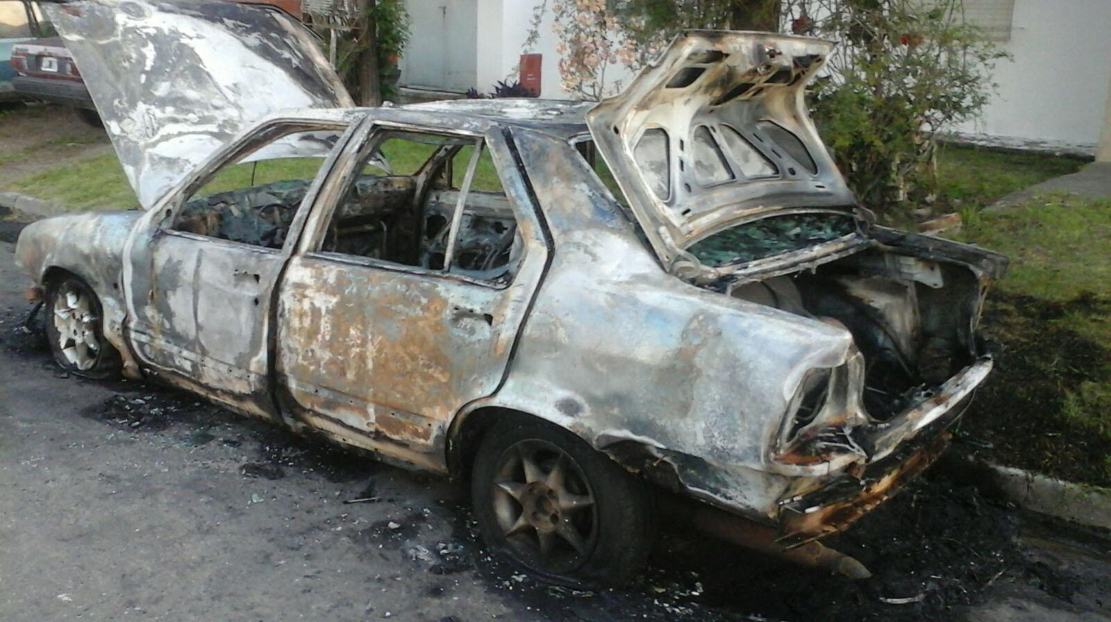 Otro incendio vehicular