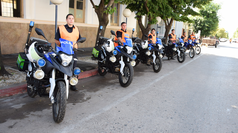 Entregaron dos motovehículos a la comunal