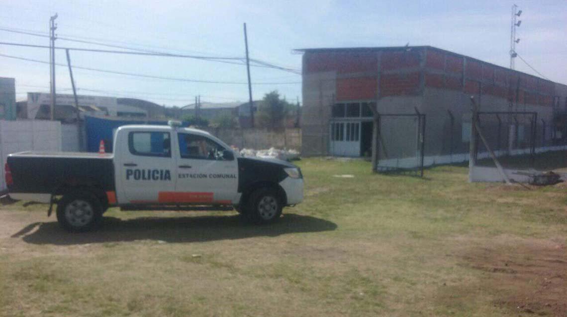 Destrozos y robo en El Fortín