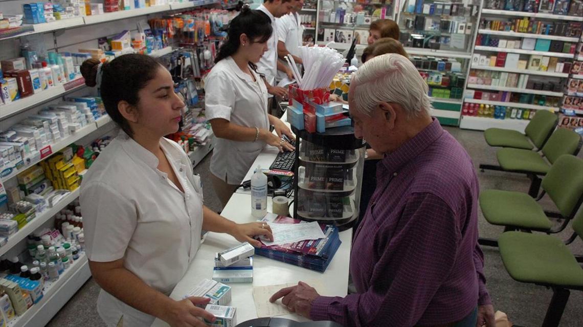 Farmacias alertan incertidumbre con convenio del PAMI