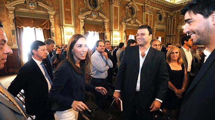 Barroso asistió a la reunión de intendentes con la gobernadora