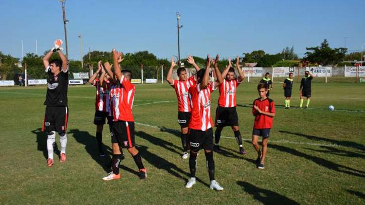Atlético juega contra Matienzo