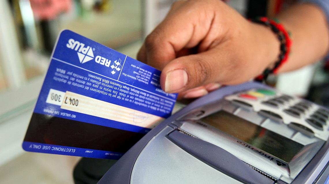 Uso de tarjeta de débito