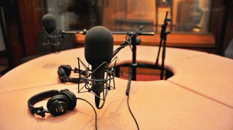 Talleres de radio y redacción