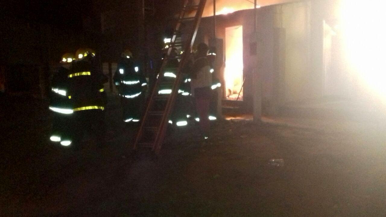 Incendio total en una vivienda