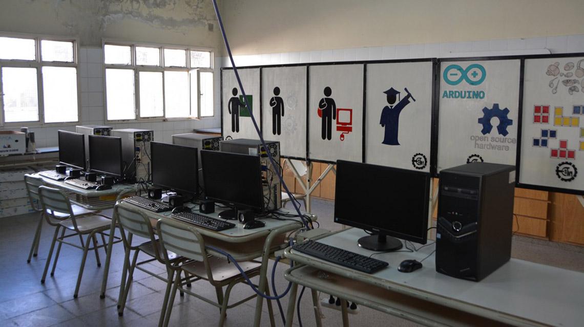 Inauguraron sala de computación