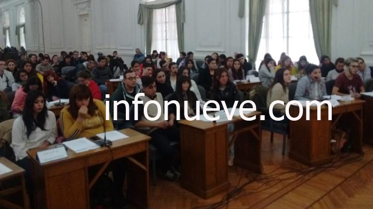 Sesión Estudiantil en marcha