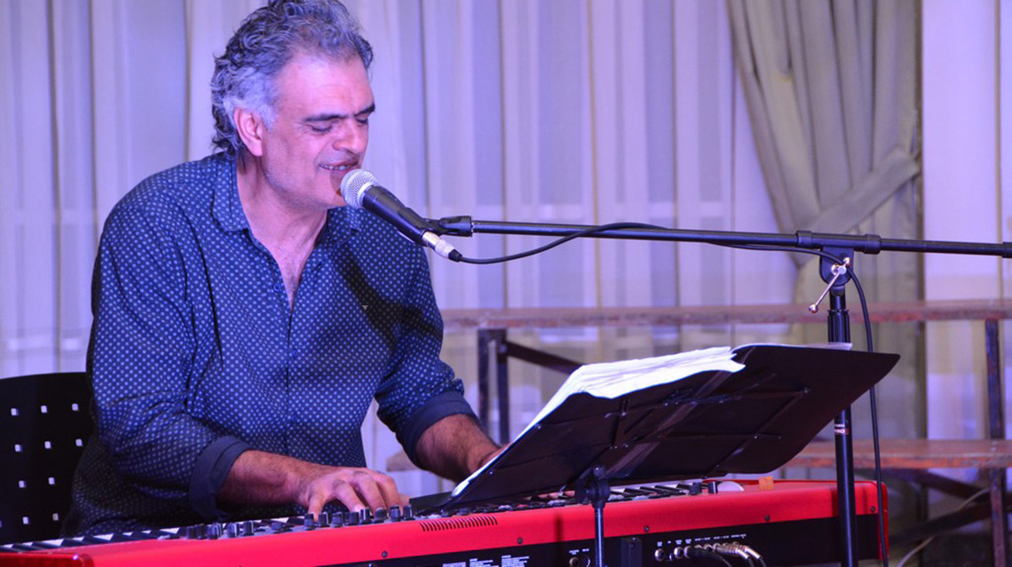 Javier Lozano presentó disco