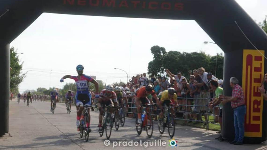 Gastón Martínez se quedó con la Meta Sprint nuevejuliense