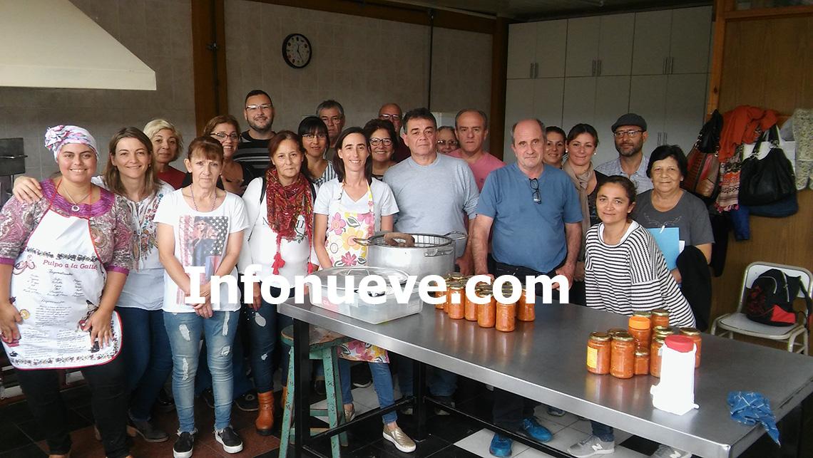 Excelente capacitación en elaboración de conservas de tomates