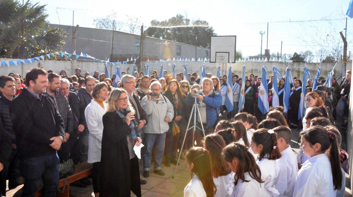 Se desarrollaron los actos oficiales por el día de la bandera