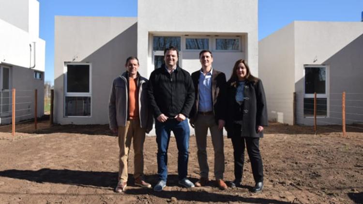 Entregaron viviendas Barrio Los Aromos