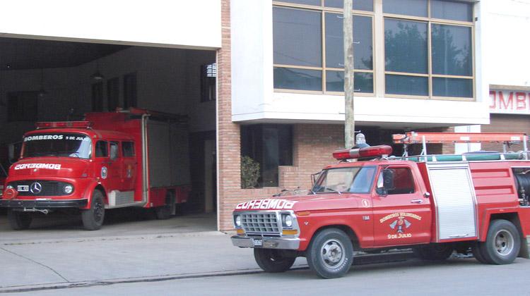 Incendio de pasto en Ruta 65 y bajada a Fauzón