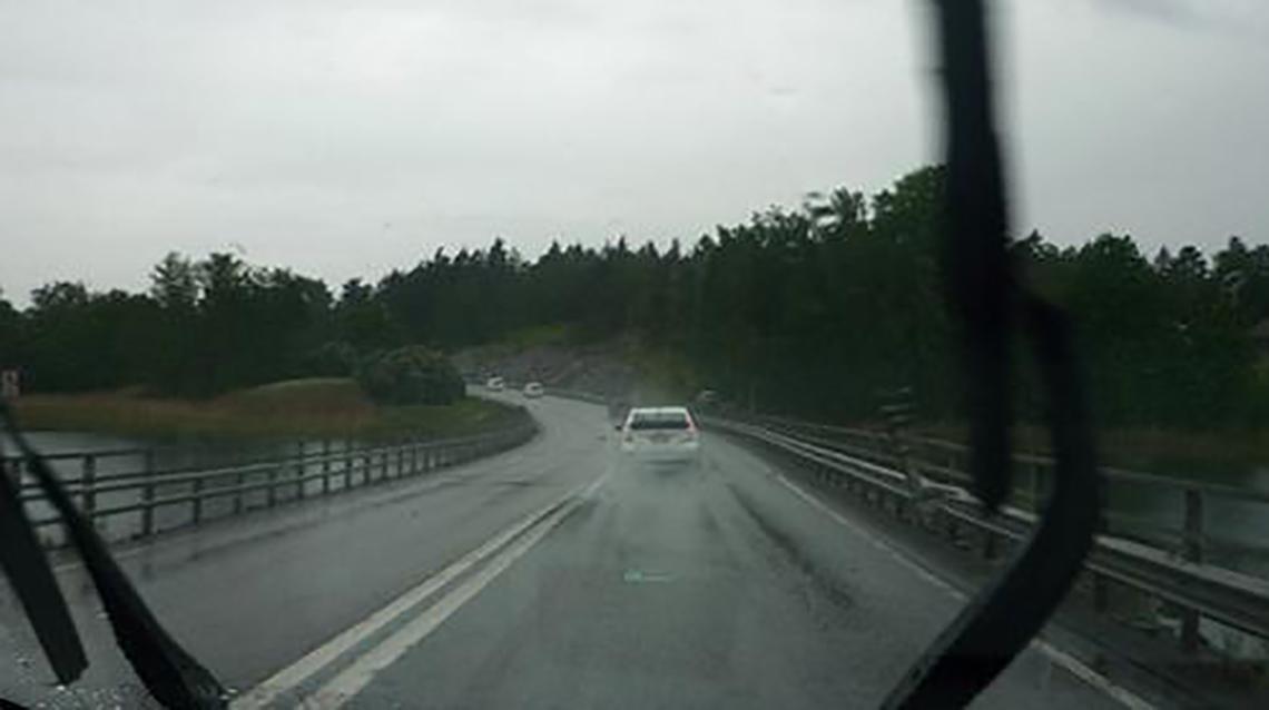Manejar en ruta: Sobre llovido, mojado