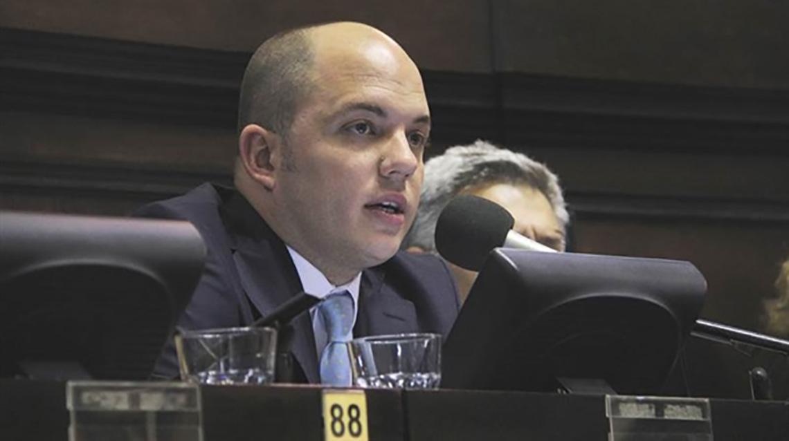 El diputado Zurro cuestionó las declaraciones de Delgado